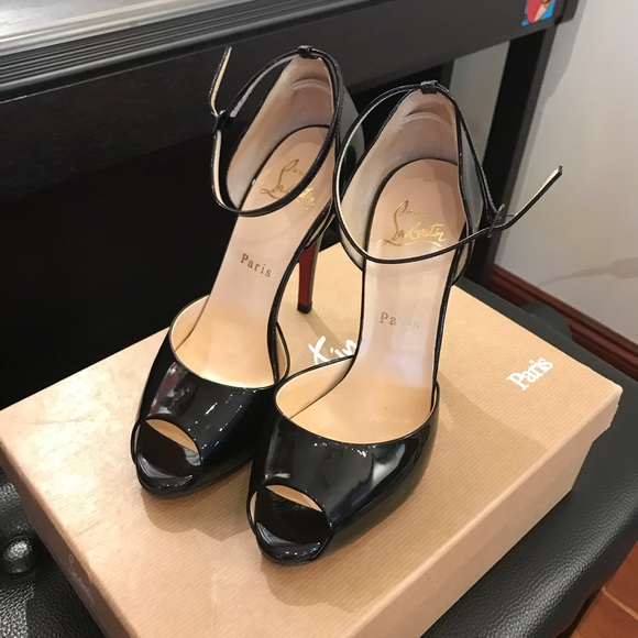 purchase cheap 0f745 ebe51 Auth Christian Louboutin peep toe heel